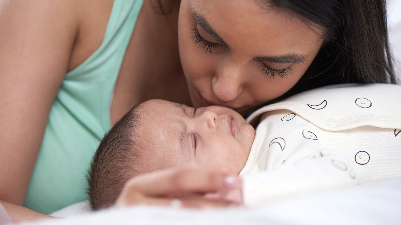 Breastfeeding while mum or baby are sick | Medela